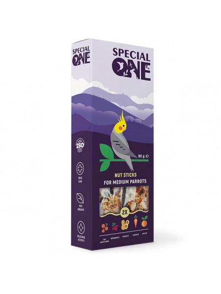 Лакомство для средних попугаев Special One 90 г / 2 шт (орех)